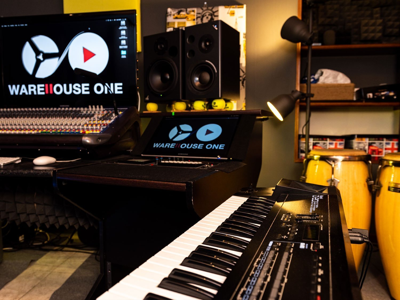 WareHouse One lo studio